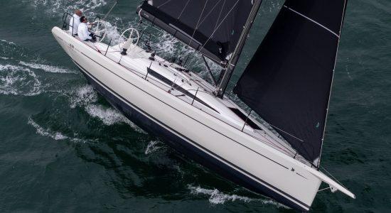 Italia Yachts 11.98 anteprime mondiali al Cannes Yachting Festival e al Salone Nautico di Genova